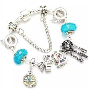 Brand New 20cm Dreamcatcher LOVE Charm Bracelet
